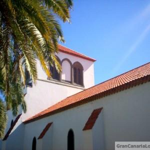 Las Palmas de Gran Canaria's Holy Trinity Church lit up by sky-blue sky