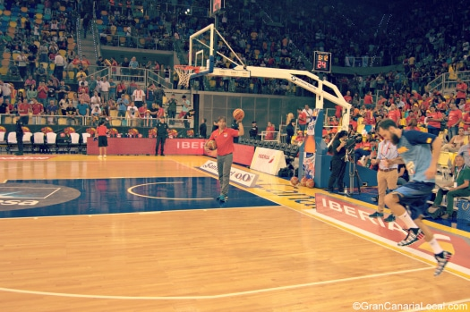 The players return to third-quarter action in the Spain-Senegal friendly at the Gran Canaria Arena