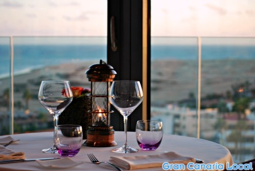 Watch the sun go down over the dunes at Playa del Inglés' 360
