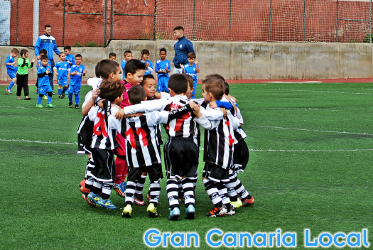 Gran Canaria football teaches children how to respect others