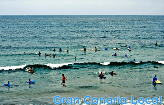Surf the waves at Las Canteras' La Cicer