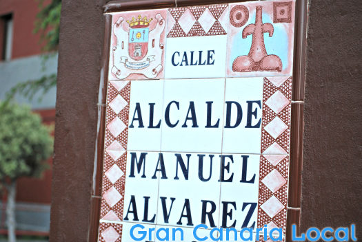 The street signs in Telde are a work of art