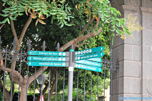 Arucas signpost