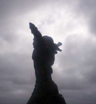Sculpture of El Atlante