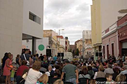 Party time in Las Palmas de Gran Canaria's Arenales