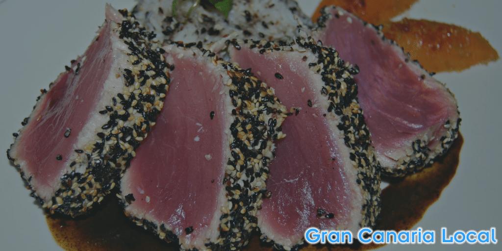 Restaurante Summum red tuna encrusted in sesame