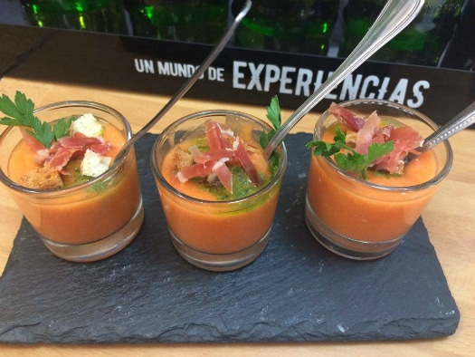 Visit one of the best Gran Canaria tapas bars, Las Marujas