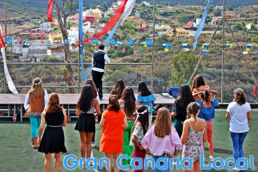 The British School of Gran Canaria 50th Anniversary Party featured a salsa masterclass.